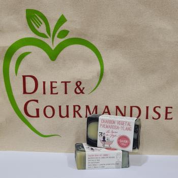 diet-et-gourmandise-savon-charbon-vegetal-palmarosa-ylang