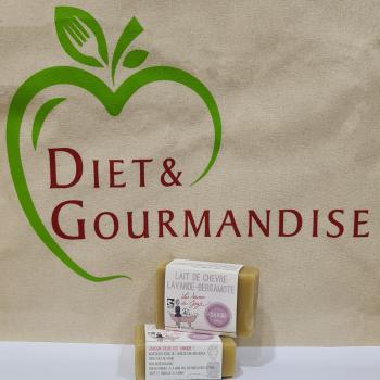 diet-et-gourmandise-savon-lait-de-chevre-lavande-bergamote